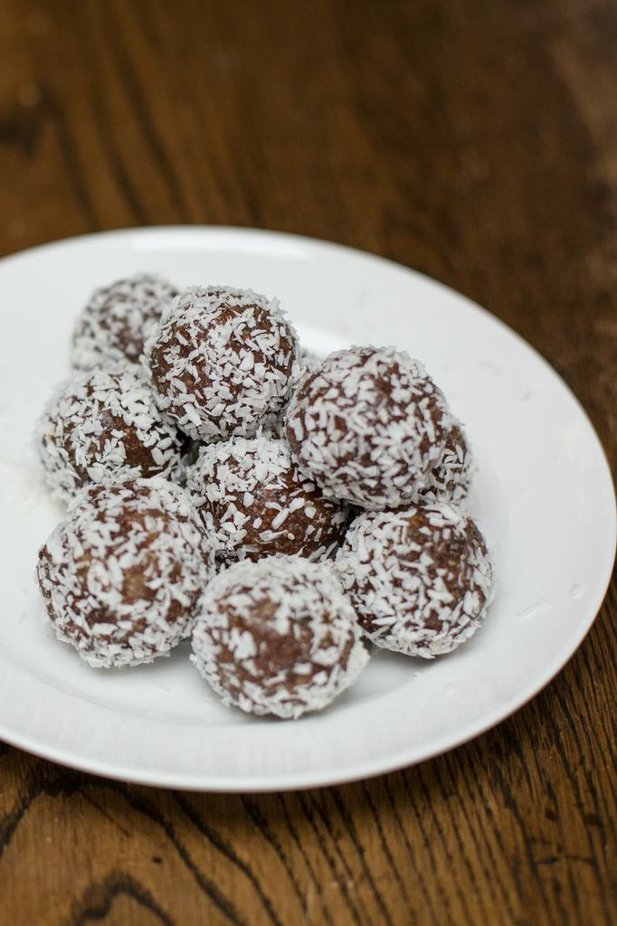 Chocolate Coconut Bliss Balls (Vegan & GF)