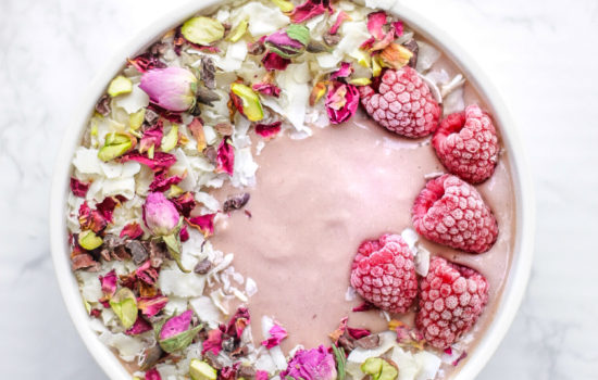 Raspberry Ginger Smoothie Bowl